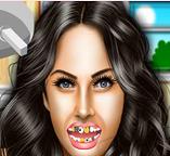 Лечим зубы Меган Фокс