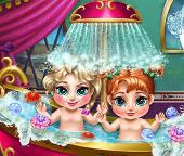 Купаем маленьких принцесс Эльзу и Анну