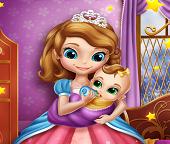 Принцесса София ухаживает за новорожденной дочкой