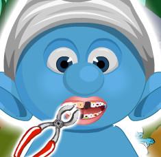 Лечим зубки малышу смурфику
