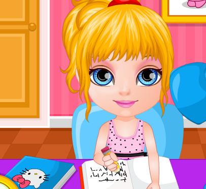 Малышка  Барби делает домашнюю работу