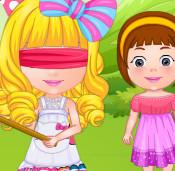 Малышка  Барби на празднике пиньяты