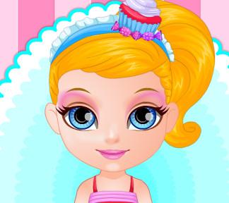 Малышка Барби скучает в своем магазине сладостей