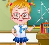 Малышка Хейзел играет в учительницу