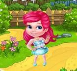Маленькая принцесса София развлекается на ферме