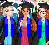 У принцесс Эльзы, Ариэль, Жасмин, Анны выпускной