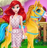 Ариэль заботится о Пони