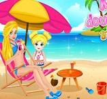 Мамочка и ее малышка на пляже