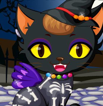 Милый котенок готовится к Хэллоуину