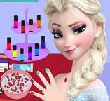 Королева Эльза посещает салон для ногтей